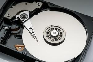 Odzyskiwanie danych z HDD darmowy program, płatny program a fachowy serwis.